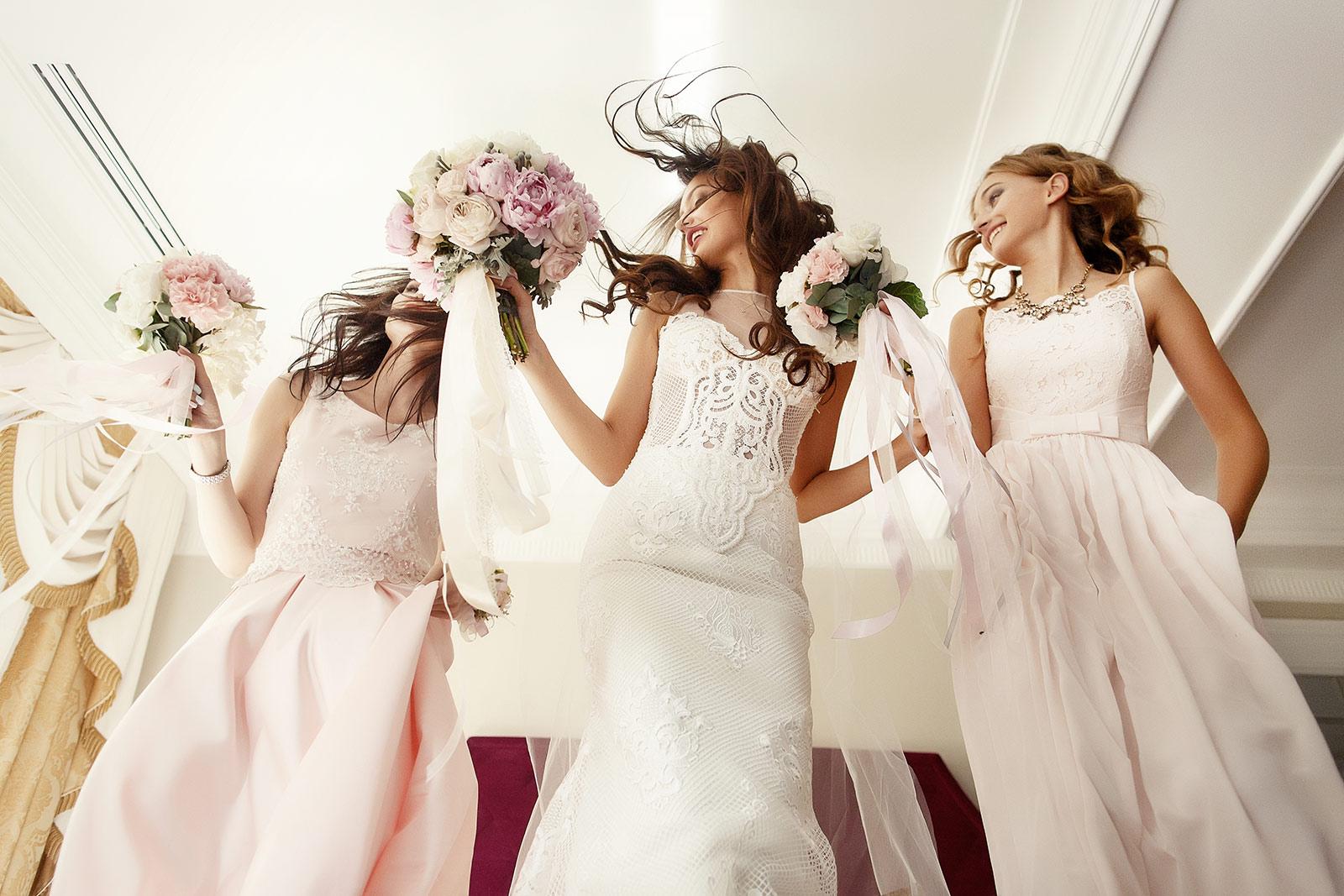 elegance-mode | brautmode | dein partner in vs für brautmoden